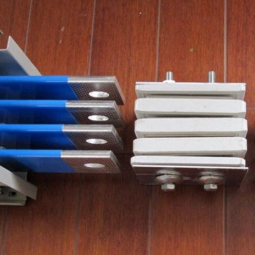 可安装高压隔相母线槽
