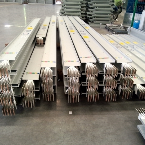 安装1450A密集型母线槽