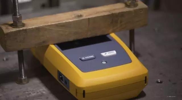 福禄克DSX2-5000、8000线缆测试仪为什么如此坚固耐用?
