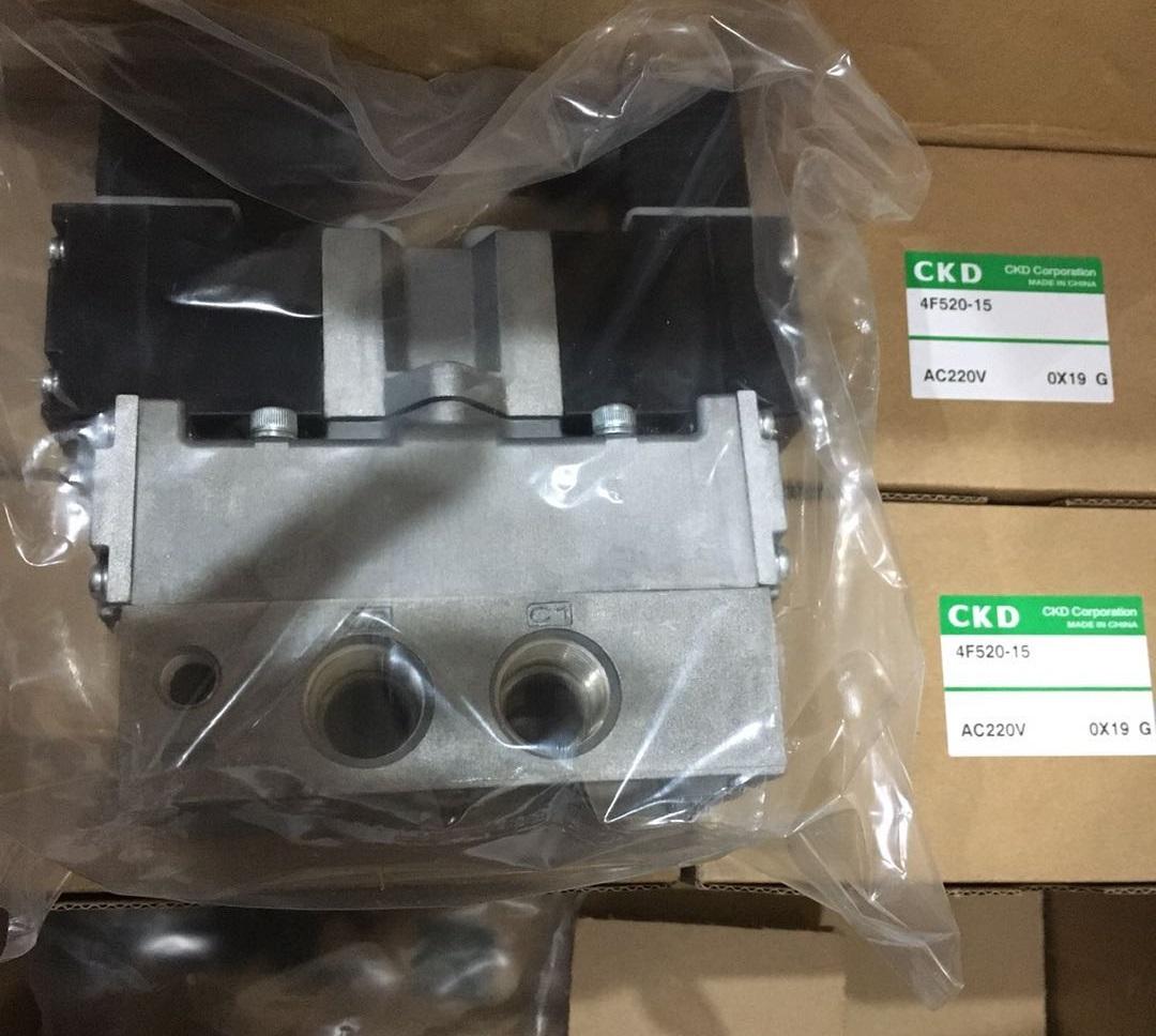 4F520-15-AC220V.jpg
